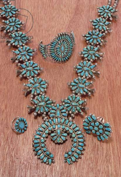 Navajo necklace, bracelet and rings (silver and turquoise) (see also 229251)