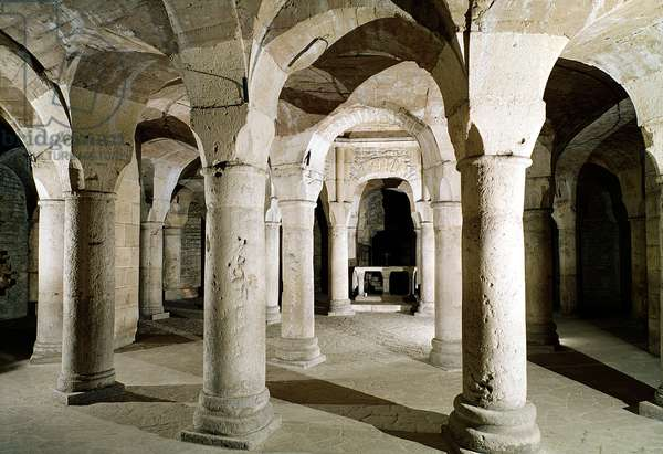 View of the crypt (photo)