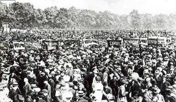 Great Votes for Women demonstration in Hyde Park, 21st June 1908 (b/w photo)