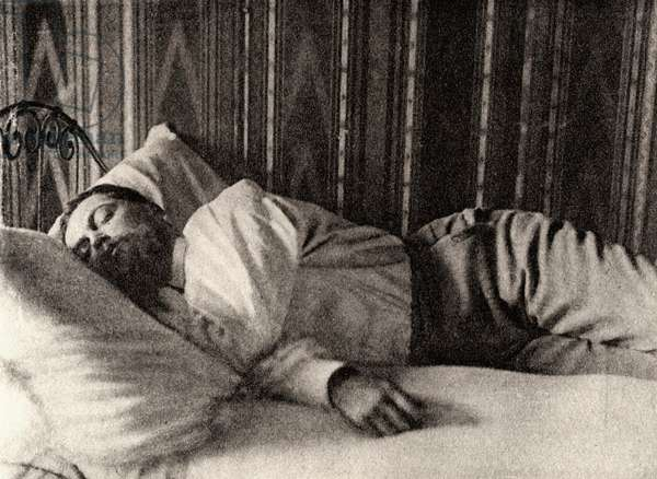 Claude Debussy asleep photographed