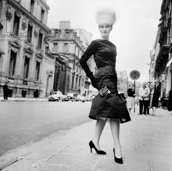 Presentation of Fashion By Pierre Cardin For Winter 1955/1956, Paris, July 29, 1955 (b/w photo)