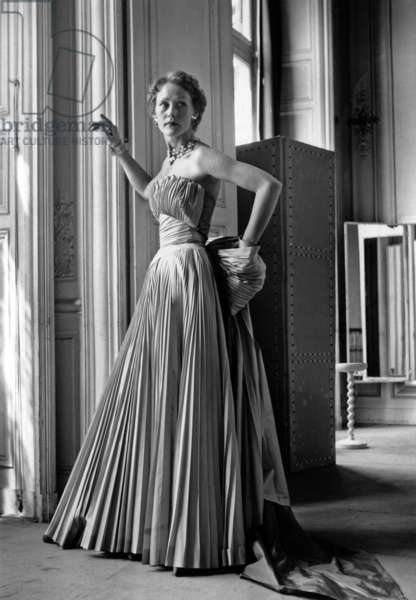 Fashion By Elsa Schiaparelli, Paris, August 10, 1953 : Evening Dress : Pleated Bustier Dress (b/w photo)