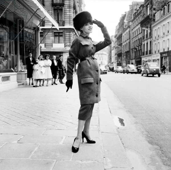 Fashion By Pierre Cardin For Winter 1955, July 29, 1955, Paris : Fur Toque and Women'S Skirt Suit (b/w photo)
