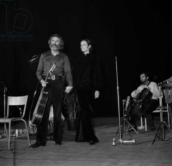 Georges Moustaki during a concert with Barbara (Monique Andree Serf) in Saint Ouen, 15 October 1969 (photo)