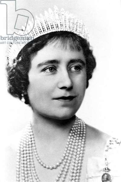 Queen Mother Elizabeth, 1925 (b/w photo)
