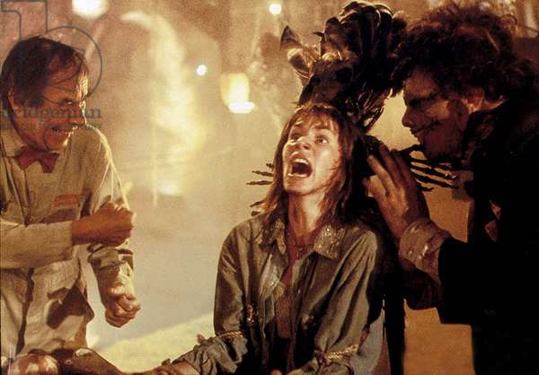 The Texas chainsaw massacre II de Tobe Hooper 1988 femme ligotee attachee ligoter tied up trussed up woman truss tie torture crier hurler shout cry yell